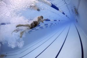Pływanie - doskonały sport na stawy